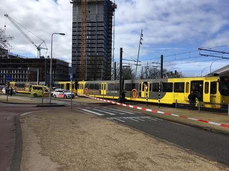 Local do ataque em Utrecht, Holanda, em imagem obtida de um vídeo numa rede social 18/03/2019 DUIC.NL via REUTERS