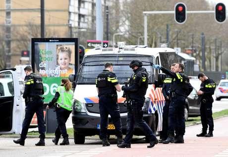 Polícia na cidade de Utrecht após ataque a tiros, na Holanda