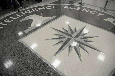 Bolsonaro faz visita 'surpresa' em sede da CIA em Washington