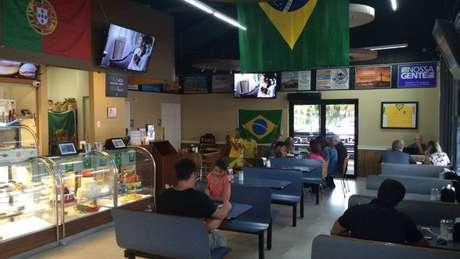 Padaria com bandeiras brasileiras em Orlando, cidade onde a população de imigrantes brasileiros tem crescido nos últimos anos