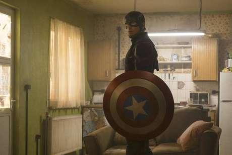 Chris Evans interpretao Capitão América.