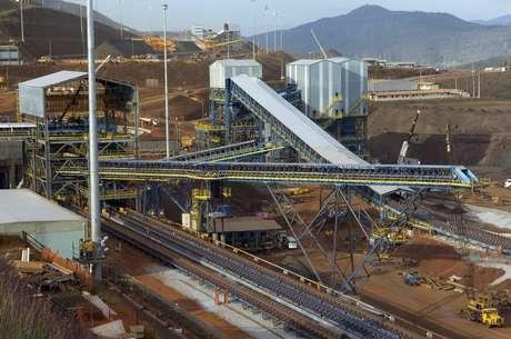 Vista da Usina de Brucutu, da Companhia Vale do Rio Doce, em São Gonçalo do Rio Abaixo, a 93 quilômetros de Belo Horizonte, em Minas Gerais.