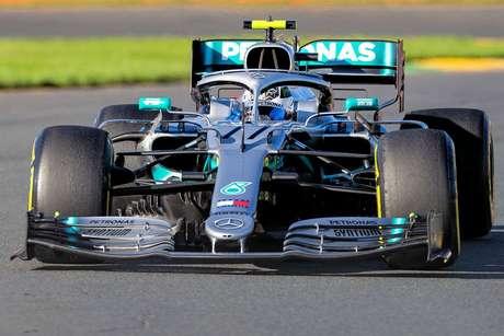 Bottas disse que a Mercedes precisa continuar seu desenvolvimento