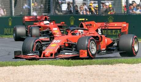 """Binotto elogia """"jogo em equipe"""" de Leclerc para favorecer Vettel na Austrália"""