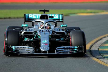 Mercedes suspeita que danos no carro de Hamilton foram causados pelas zebras