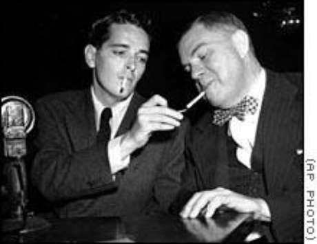 O escritor satírico Ring Lardner Jr., perante o comitê em 1947