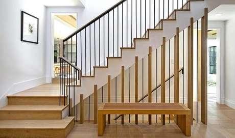 Dá até para imaginar os filhos de Justin e Hailey correndo por essas escadas.