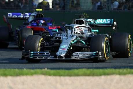 Mercedes irá 'avaliar' o conceito aerodinâmico da Ferrari