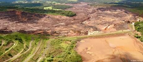 Rompimento da barragem em Brumadinho liberou mais de 11 milhões de metros cúbicos de lama e rejeitos de minério de ferro