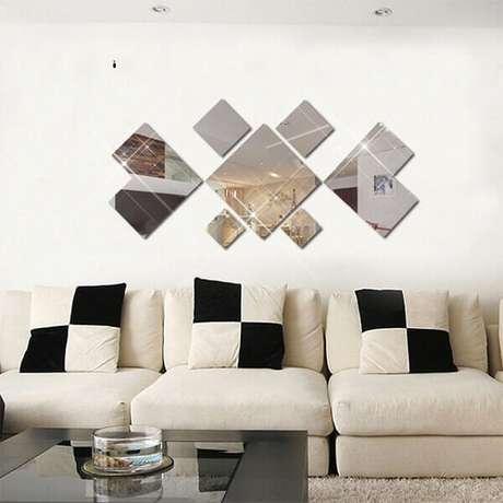24- Na decoração de sala simples e barata, as almofadas e espelhos tem formas geométricas, Fonte: Ali Express