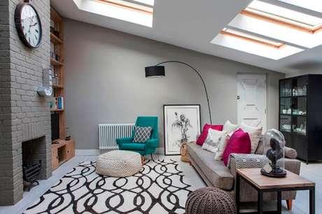 47- Na decoração de casa simples e barata os puffs tem cores neutras Fonte: Vida de casada