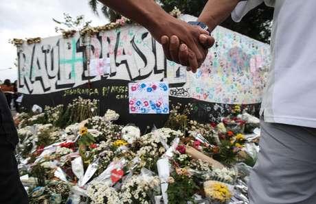 Um culto ecumênico em homenagem às vítimas do massacre na Escola Estadual Professor Raul Brasil, em Suzano, foi realizado na manhã desta quarta-feira, 20, quando se completa uma semana do ataque