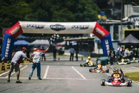 Academia Shell Racing disputa a segunda etapa da Copa São Paulo Light de kart