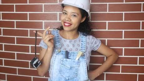 A mineira é a única brasileira a ensinar a como construir no YouTube