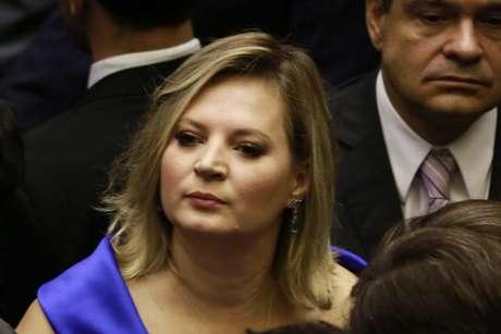 Líder do governo no Congresso, a deputada Joice Hasselmann (PSL-SP) tenta organizar encontro entre o presidente da Câmara e Bolsonaro