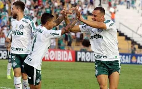 Estreia com o pé direito! Arthur Cabral comemora gol de empate (Foto: Fernando Calzzani/Photopress)