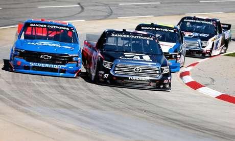 Truck Series: Em Martinsville, Kyle Busch conquista a 201ª vitória de sua carreira