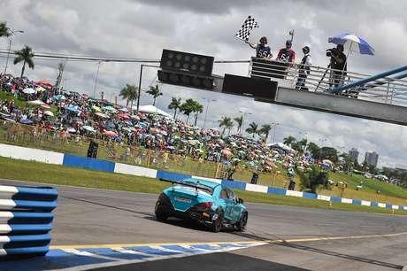 Mercedes-Benz Challenge: Tozzo e Simão vencem em Goiânia
