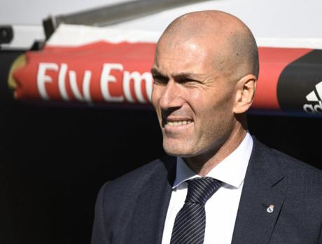 Zidane conquistou três Champions consecutivas com o Real Madrid (Divulgação Twitter)