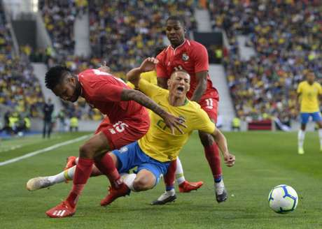 Brasil deixou a desejar diante do Panamá (Miguel Riopa/AFP)