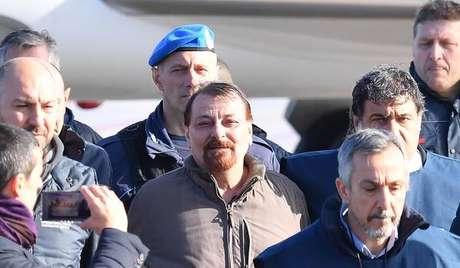 Chegada de Cesare Battisti em Roma, em 14 de janeiro