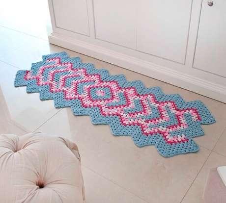 17. Modelo simples de passadeira de crochê com combina com decoração em ambientes clean – Foto: Pinterest