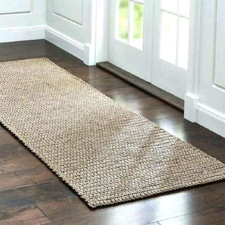 25. Decoração de porta de entrada com tapete de crochê simples – Foto: Taxi Surfr