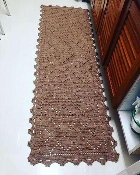 30. O tapete de crochê estilo passadeira é um dos mais utilizados para decoração de cozinha – Foto: Pinterest