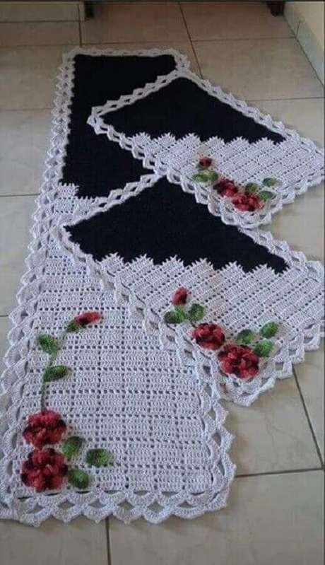 52. Modelo simples de jogo de tapete de crochê com flores – Foto: Tricot et Couture