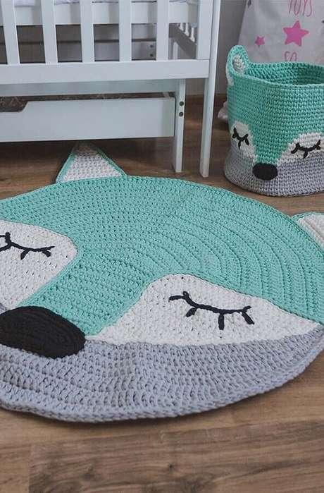 62. Lindo tapete de crochê em formato de raposinha para decoração de quarto de bebê – Foto: Pinterest