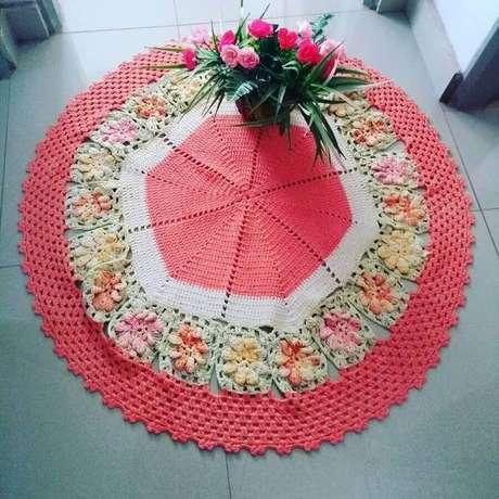100. Modelos de tapete de crochê com flores – Foto: Median Crochê