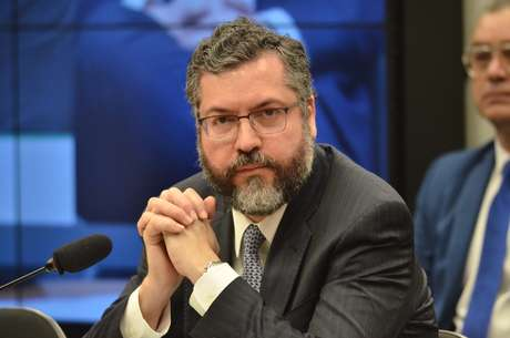 A Comissão de Relações Exteriores e de Defesa Nacional da Câmara promove audiência pública para ouvir o ministro das Relações Exteriores, Ernesto Araújo, sobre as prioridades da política externa brasileira para 2019.