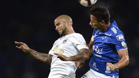 O Lara mostrou boa postura em campo, mas não o suficiente para chegar à meta do Cruzeiro- DOUGLAS MAGNO / AFP