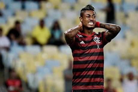 Bruno Henrique, do Flamengo, em partida contra o Fluminense e Flamengo, válida por uma vaga na decisão da Taça Rio, o segundo turno do Campeonato Carioca, realizado no Estádio Jornalista Mário Filho (Maracanã), na zona norte do Rio de Janeiro, nesta quarta- feira (27).