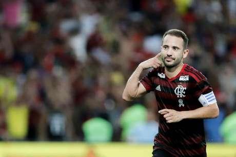Éverton Ribeiro comemora seu gol durante partida entre Fluminense X Flamengo válida pela semifinal da Taça Rio do campeonato Carioca de 2019, no estádio do Maracanã, zona norte da cidade, nesta quarta-feira (27/03)