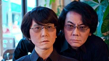 Professor Ishiguro criou um robô igual a ele mesmo e acha que, no futuro, conseguiremos transpor nossa alma a corpos inorgânicos