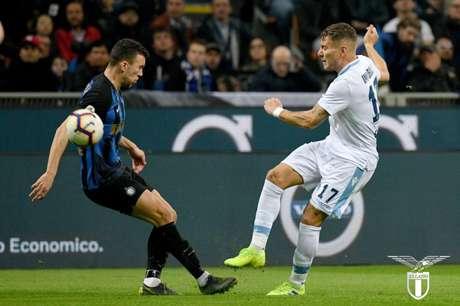Lazio vence a Inter de Milão fora de casa e encosta no G4 do Italiano (Foto: Reprodução / Twitter)