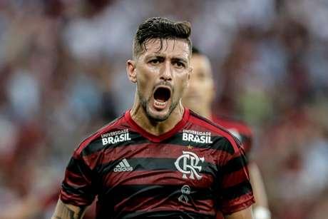 De Arrascaeta comemora seu gol durante partida entre Vasco X Flamengo válida pela final da Taça Rio do campeonato Carioca de 2019, no estádio do Maracanã, zona norte da cidade, neste domingo (31/03)