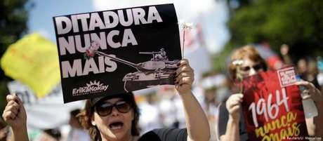 No dia 31 de março, milhares de pessoas foram às ruas do Brasil protestar contra a ditadura