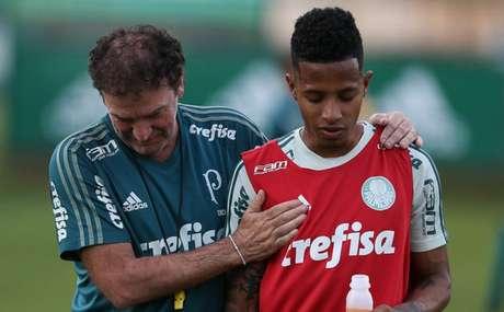 Nos treinos do Palmeiras, era comum ver Cuca e Tchê Tchê conversando - FOTO: Cesar Greco