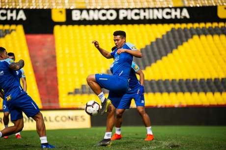 O Cruzeiro e o líder do Grupo B com seis pontos. A Raposa tera força máxima no Equador- Vinnicius Silva/Cruzeiro