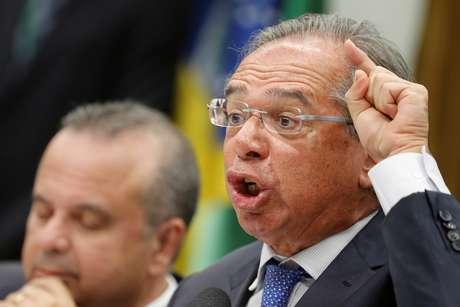 Ministro da Economia, Paulo Guedes, responde a parlamentares na CCJ 03/04/2019 REUTERS/Adriano Machado