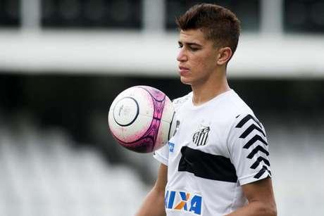 Vitor Bueno pertence ao Santos, mas está emprestado ao Dinamo de Kiev (Foto: Ivan Storti/Santos)