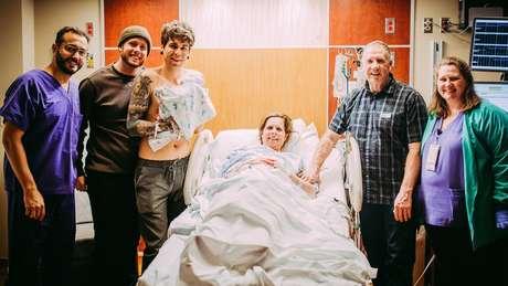 Famílias Eledge e Dougherty no dia do nascimento de Uma