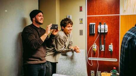 Matthew e Elliot no dia do nascimento de Uma
