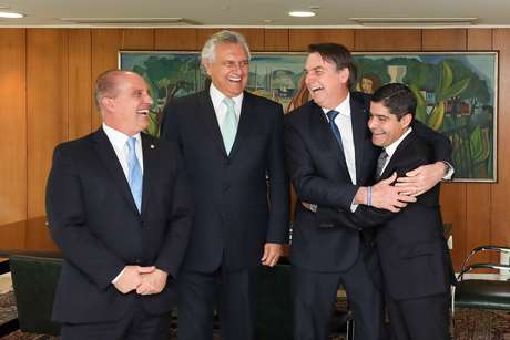 Presidente da República, Jair Bolsonaro durante audiência com Onyx Lorenzoni, Ministro-Chefe da Casa Civil da Presidência da República; Ronaldo Caiado, Governador do Estado de Goiás, e ACM Neto, Prefeito Municipal de Salvador e Presidente Nacional do DEM.