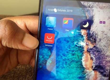 App do AliExpress em telefone celular 12/03/2019 REUTERS/George Nganga