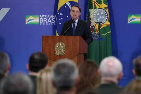 Palavras do Presidente da República, Jair Bolsonaro, na Cerimônia de cumprimentos aos Oficiais-Generais recém- promovidos e e entrega da Medalha da Vitória e da Medalha Militar