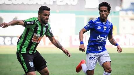 O Cruzeiro venceu o América-MG por 3 a 2, três gols de Fred e aumentou sua vantagem sobre o Coelho- Dudu Macedo/Fotoarena/Lancepress!