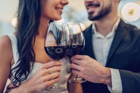 Cartas mostram período favorável para namorar muito